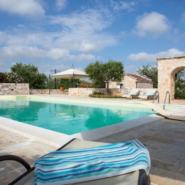 Trulli Oasi Fiorita: vista sulla nostra piscina