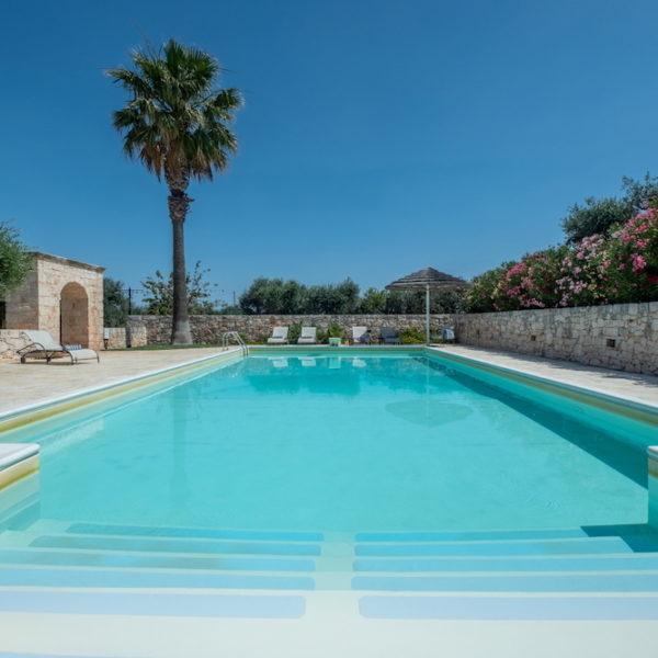 Trulli Oasi Fiorita L'Oasi - piscina