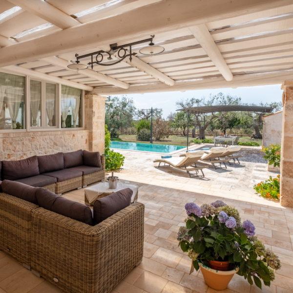 Veranda piscina L'Antica Dimora - Trulli Oasi Fiorita